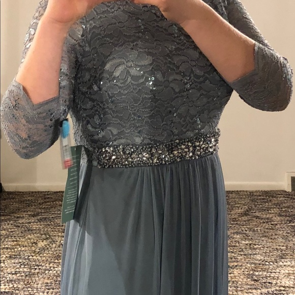 1e48fc0d695 ONYX nite BNWT long evening gown